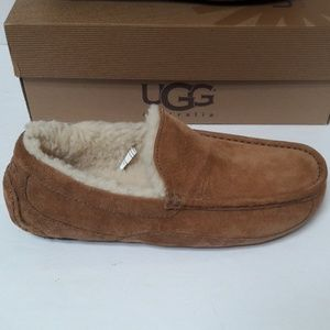 New Mens UGG slippers size 8